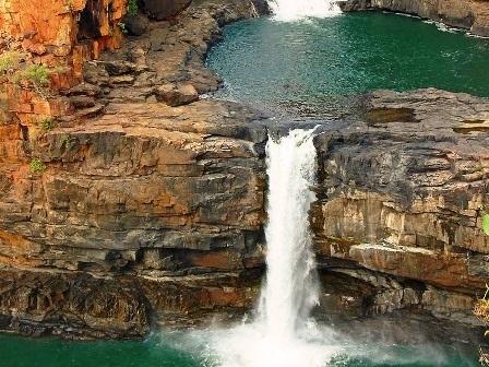 Vào mùa mưa, khu vực cao nguyên Mitchell có lượng mưa trung bình đạt đến 16000 mm.